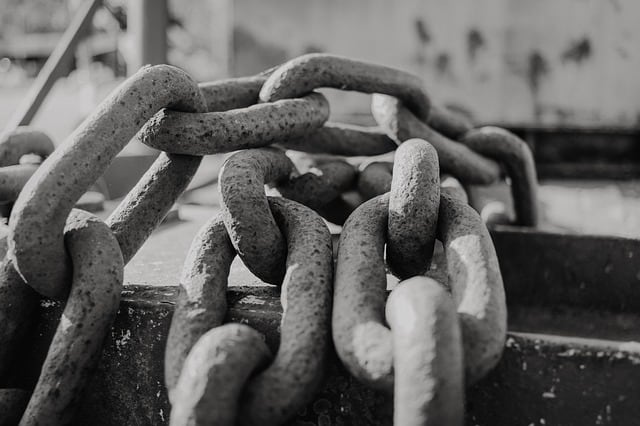 -chains-extradition-